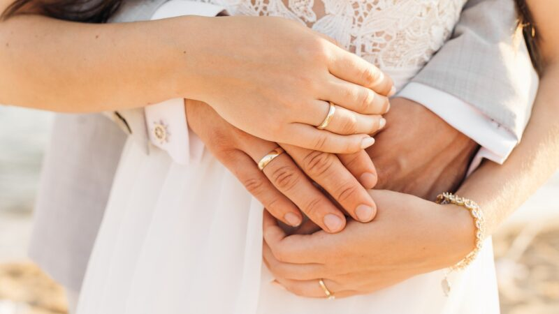 Guía para marcar tus argollas de matrimonio